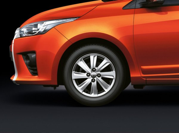 Toyota New Yaris 2014 6 Toyota New Yaris 2014 ราคา โปรโมชั่น ตารางผ่อน ผ่อนเริ่มต้น 5,700 บาท