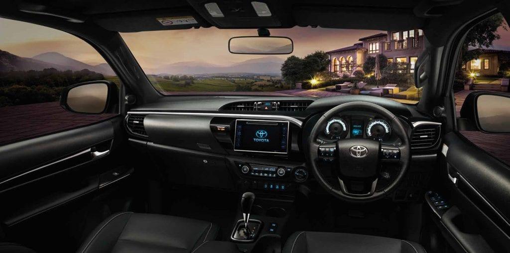 2018 Toyota Hilux Revo Rocco 5 1024x508 TOYOTA HILUX REVO ROCCO 2018 ราคา ตารางผ่อนและโปรโมชั่น