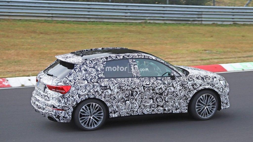 แอบถ่าย Audi RS Q3 มาพร้อมปอยเลอร์ขนาดใหญ่ และปลายท่อไอเสียทรงรี