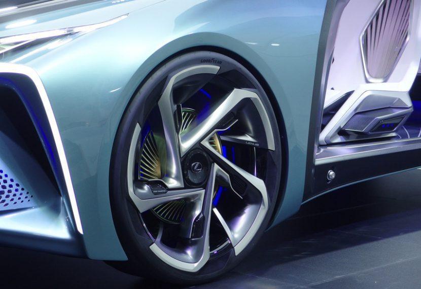 Lexus LF 30 Electrified กับยางเฉพาะตัว