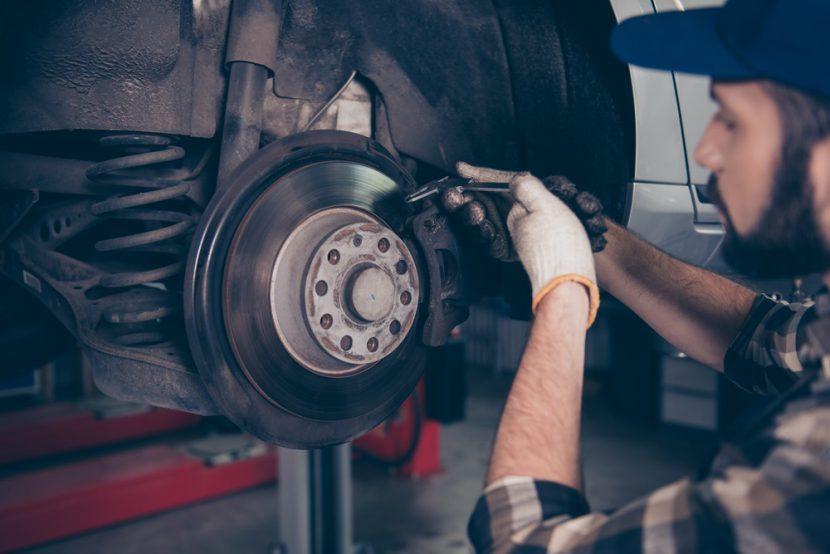 Regenerative braking เปลี่ยนการเบรกเป็นการชาร์จไฟได้อย่างไร