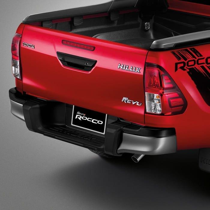 Toyota Hilux Revo Rocco rear TOYOTA HILUX REVO ROCCO 2018 ราคา ตารางผ่อนและโปรโมชั่น