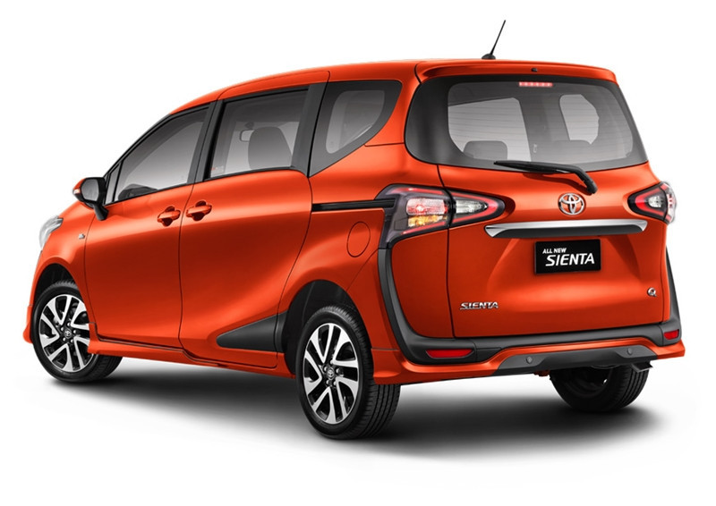 Toyota Sienta หลัง Toyota Sienta โปรโมชั่น ตารางผ่อน เริ่มต้น 9,833 บาท