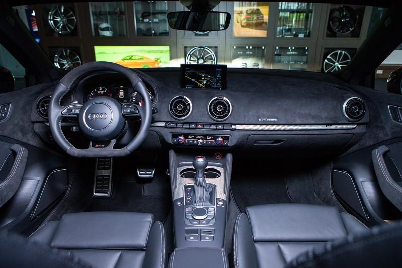 ปลดล็อค Audi RS3 450 แรงม้า