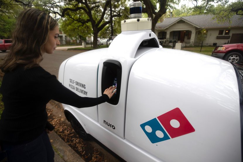 เส้นทางแห่งอนาคต กับรถยนต์ส่งพิซซ่าอัตโนมัติถึงบ้าน